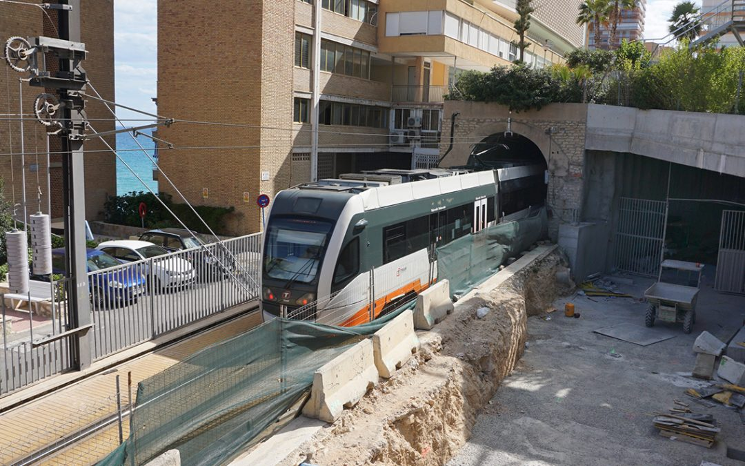First services use Alicante's Serra Grossa tunnel