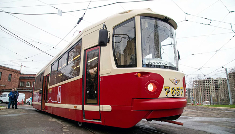 Hydrogen trams enter service and begin testing